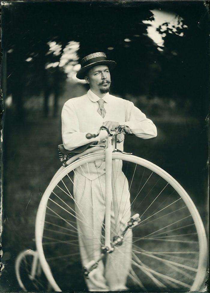 Anton_bike-min